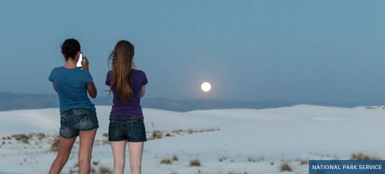photography, white sands national monument, two girls