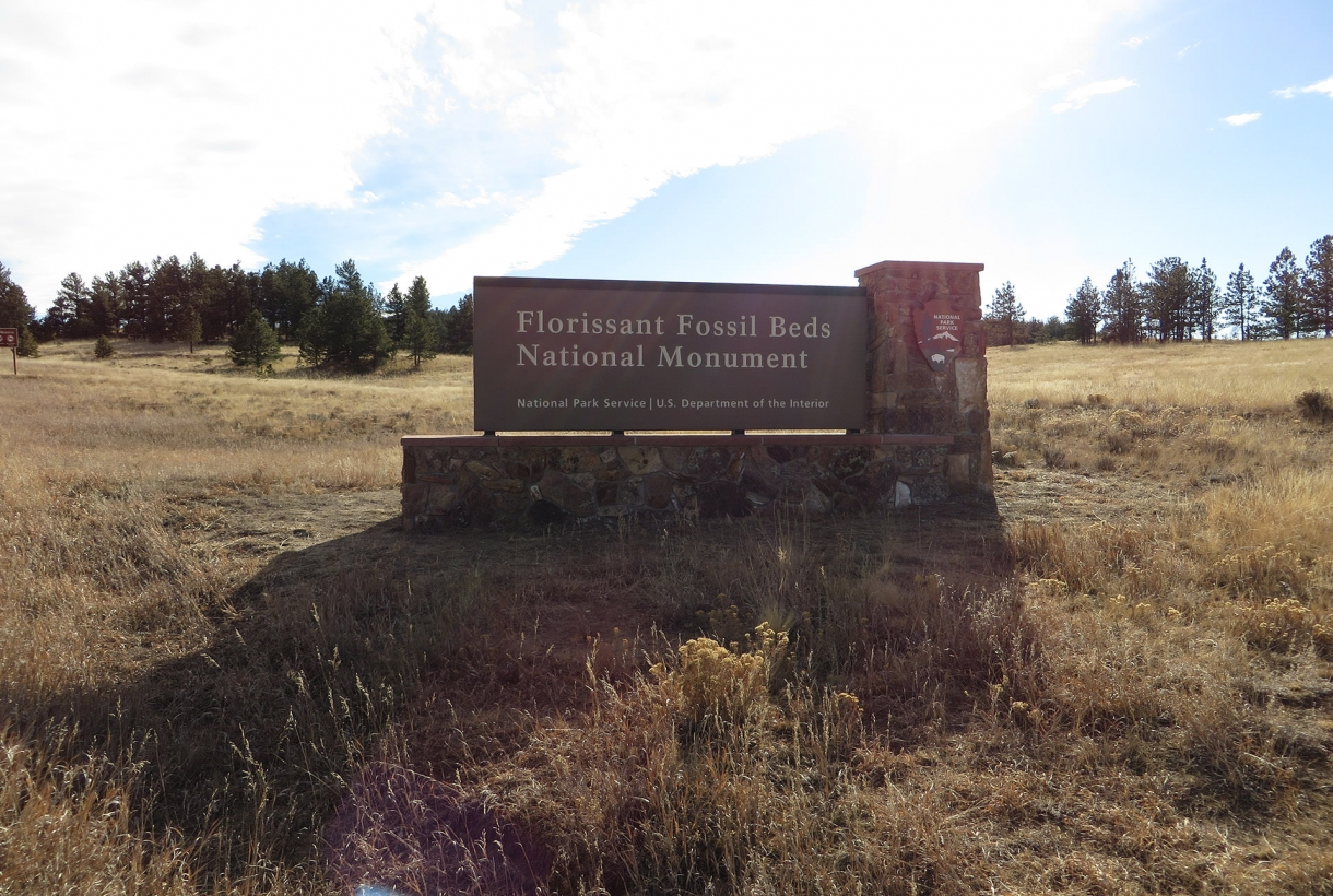 Entrance sign at Florissant Fossil Beds National Monument