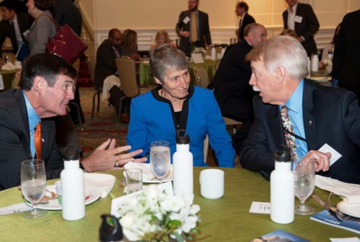 (L-R) Tom Kuhn, Edison Electric Institute; Secretary Sally Jewell, Department of the Interior; Director Jon Jarvis, National Park Service.