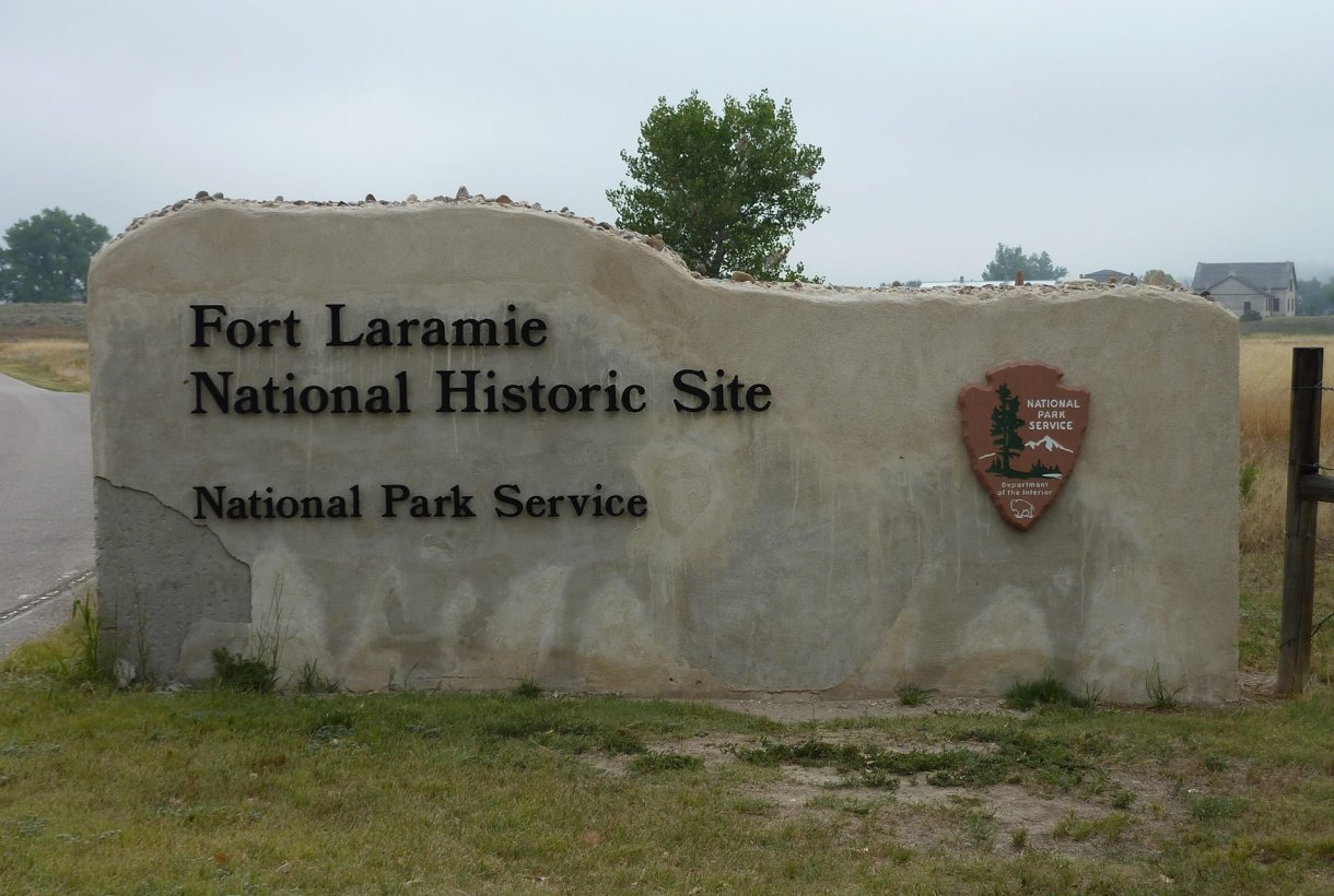 Entrance sign at Fort Laramie National Historic Site