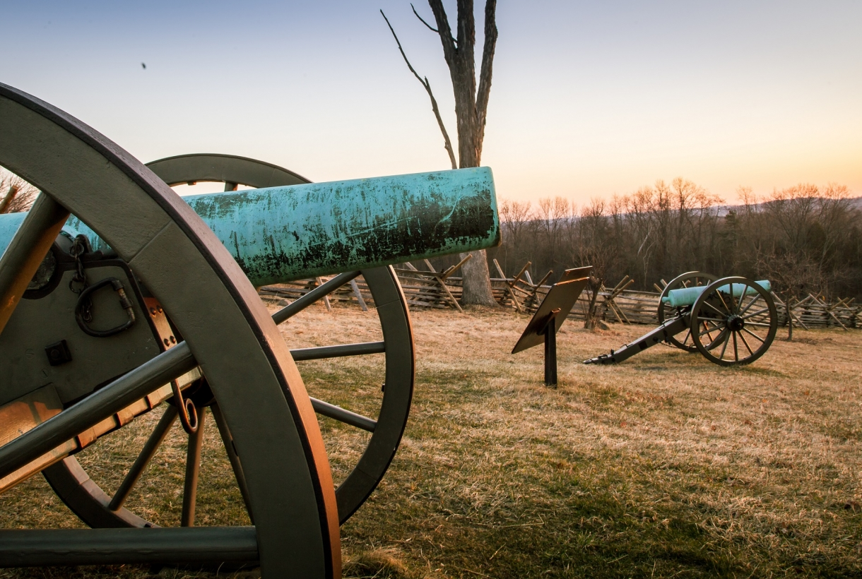 Row of canons at Gettysburg NMP