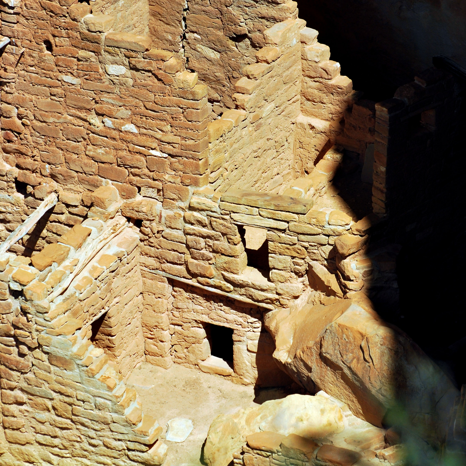 Mesa Verde cliff tower ruin square tower
