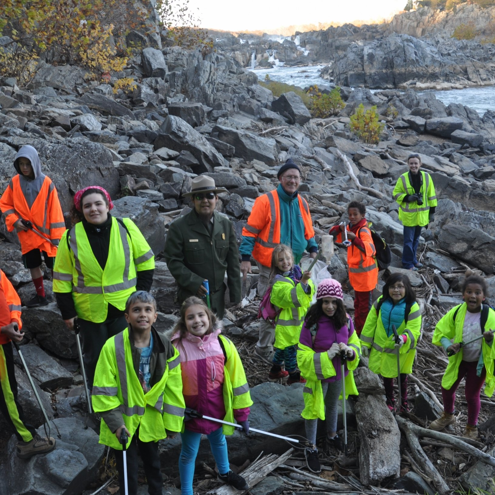 Girl Scouts from northern Virginia partnering with NPS Park Ranger to remove trash from the Potomac River