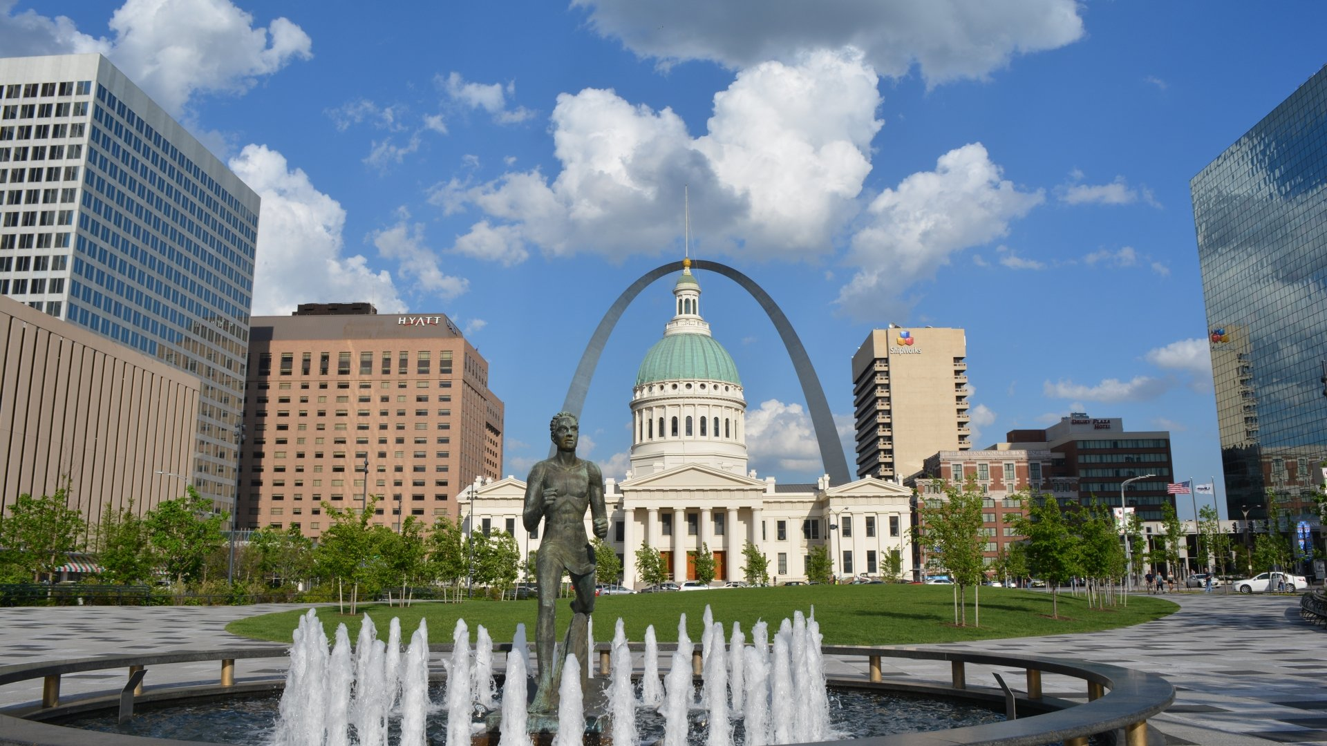 Gateway Arch National Park image by Jaclyn Hartman