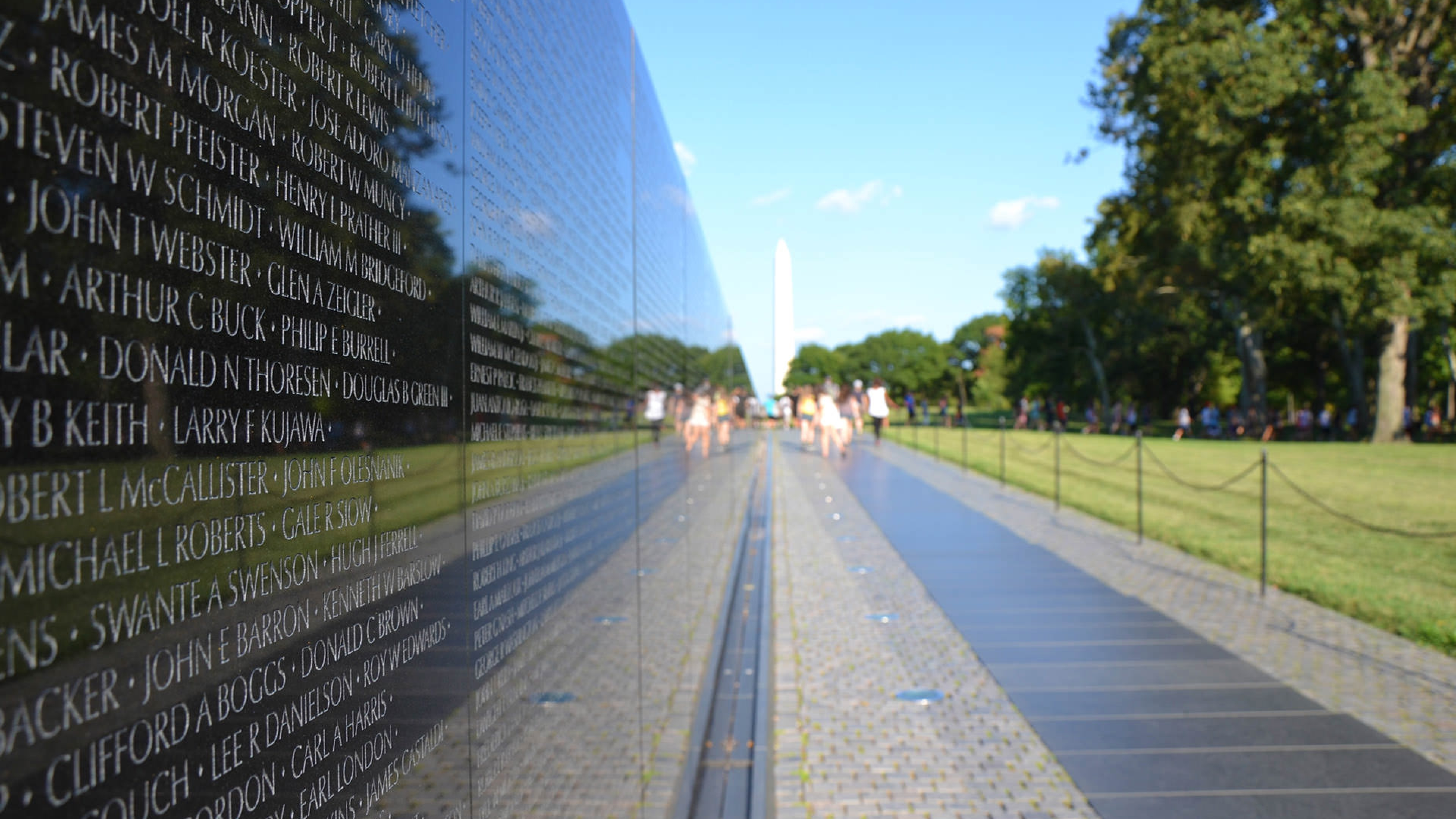 "maya lin essay on vietnam memorial On november 11, 1982, the vietnam veterans memorial (vvm) was  it is  important to note that ""the three soldiers"" was not part of maya lin's original  design."