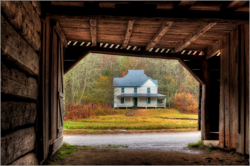 Caldwell House in Great Smoky Mountains National Park during the fall season