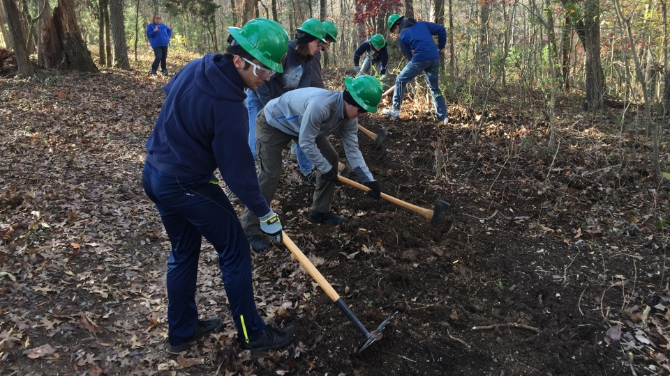 Volunteers doing trail work at Chickamauga & Chattanooga National Military Park