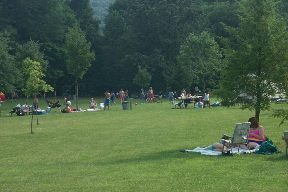 People picnicking on the grass at Delaware National Water Gap