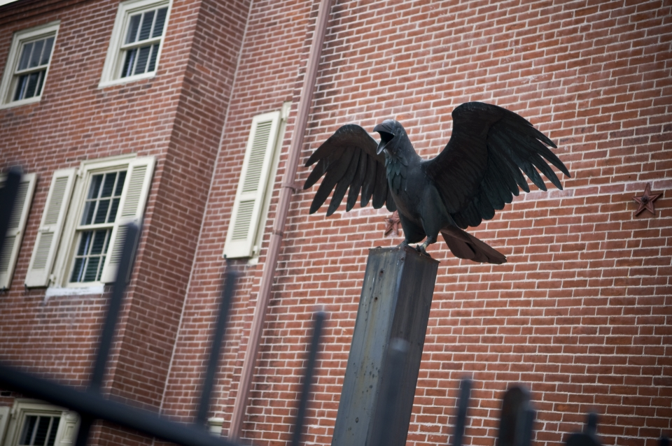 Raven statue outside of Edgar Allan Poe National Historic Site