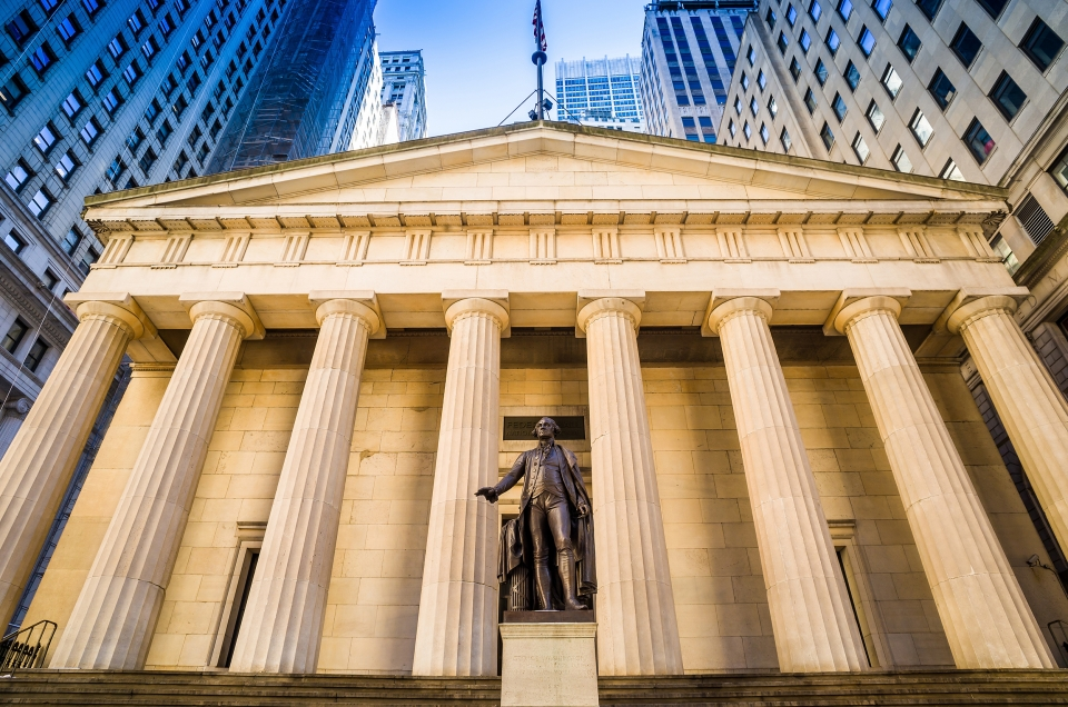 Facade of the Federal Hall with Washington Statue on the front, wall street, Manhattan, New York City