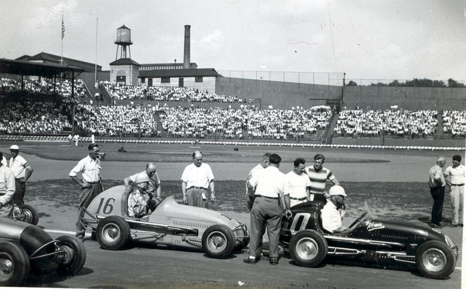 Black and white image of midget car racing at Hinchliffe Stadium at Paterson National Park