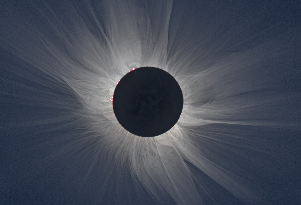 Total eclipse with a white corona
