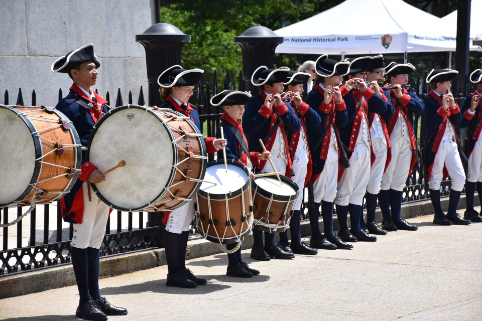 Drummers and pipers reenacting the Revolutionary War at Boston National Historical Park