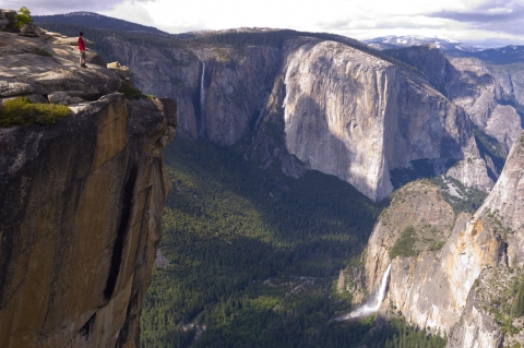 View from Taft Point overlooking waterfalls in Yosemite Valley