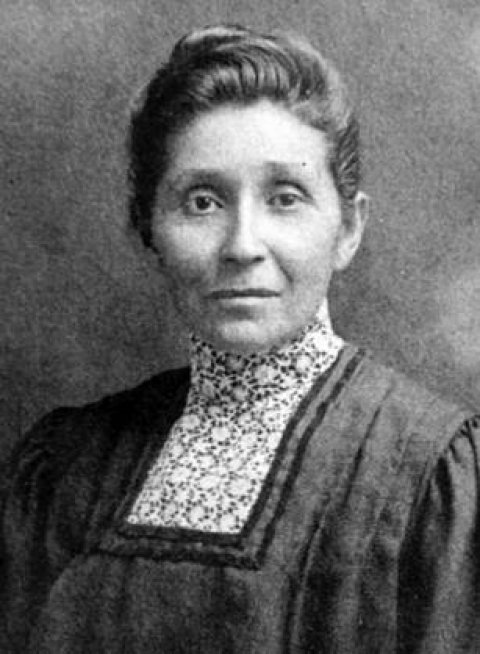 Black and white portrait of Susan La Flesche Picotte